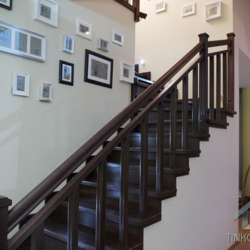 Фото лестници на второй этаж