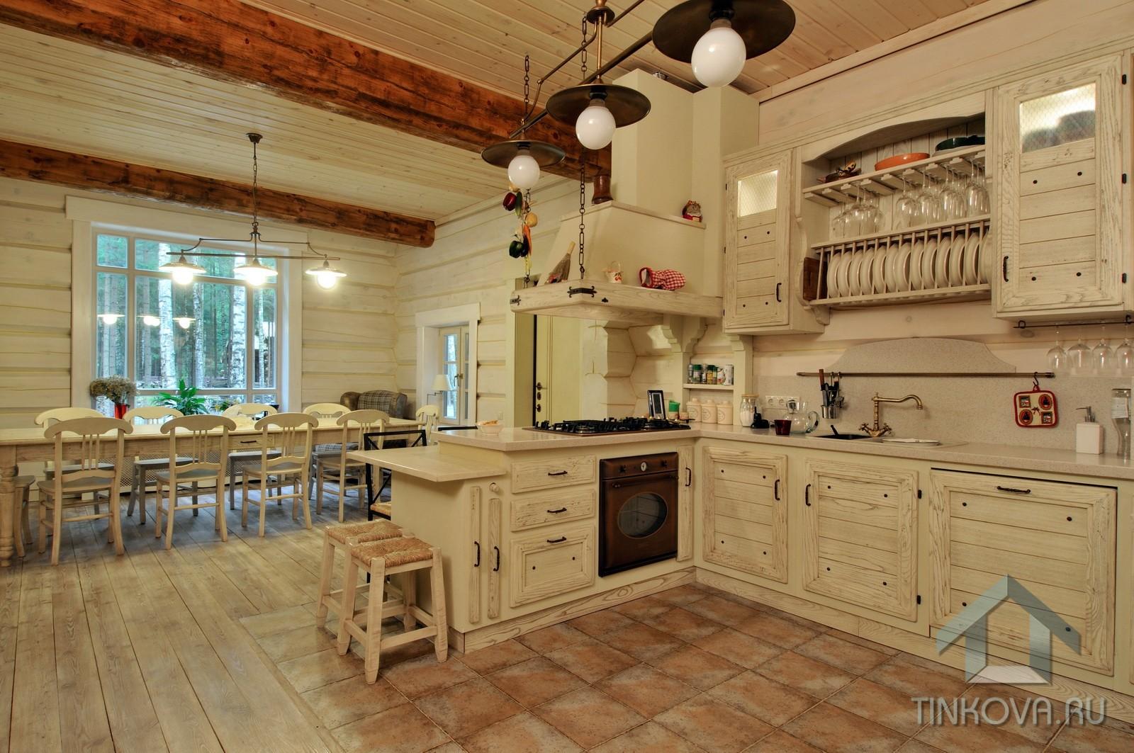 Кухня столовая в стиле шале